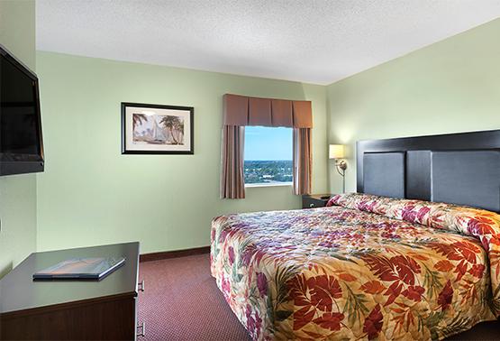 Oceanfront 4 Bedroom Condo