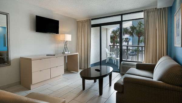 Hotel Suites in Myrtle Beach with ocean view at Captain's Quarters Resort