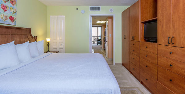 Mariner Ocean View Deluxe One Bedroom Condo Image