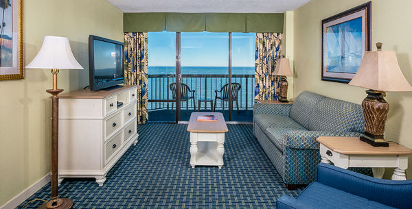Pinnacle Oceanfront End Suite Image