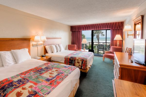 #40 Oceanfront Standard Room 2 Queens