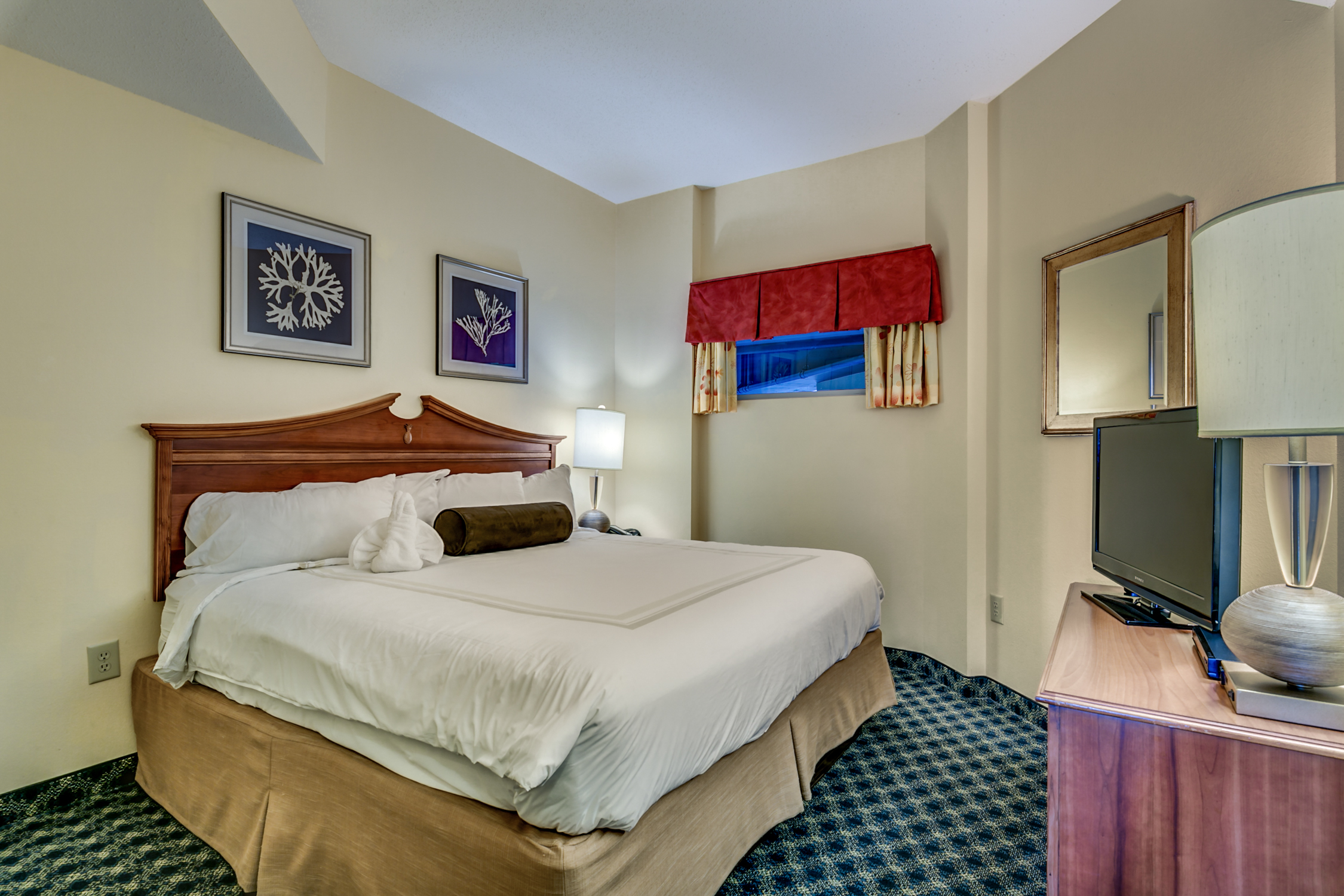 Angle Oceanfront King Suite