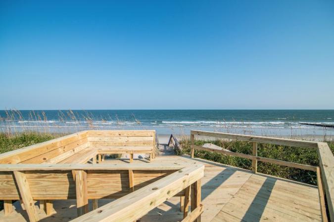 Lovering Grand Strand Retreat