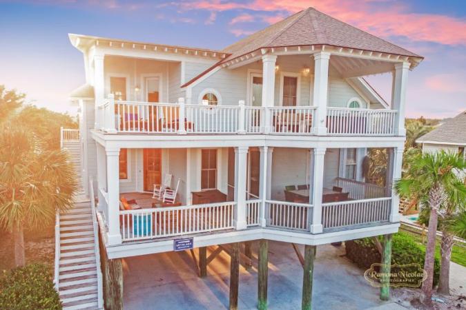 Spyglass Hotel & Resort