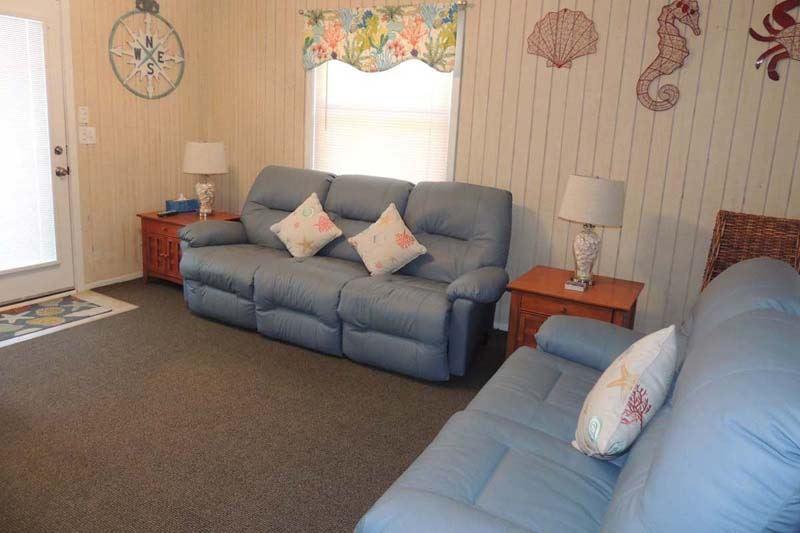 Guest Cottage 28 Condo Rentals