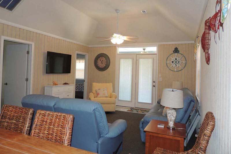 Guest Cottage 28 Ocean Getaway