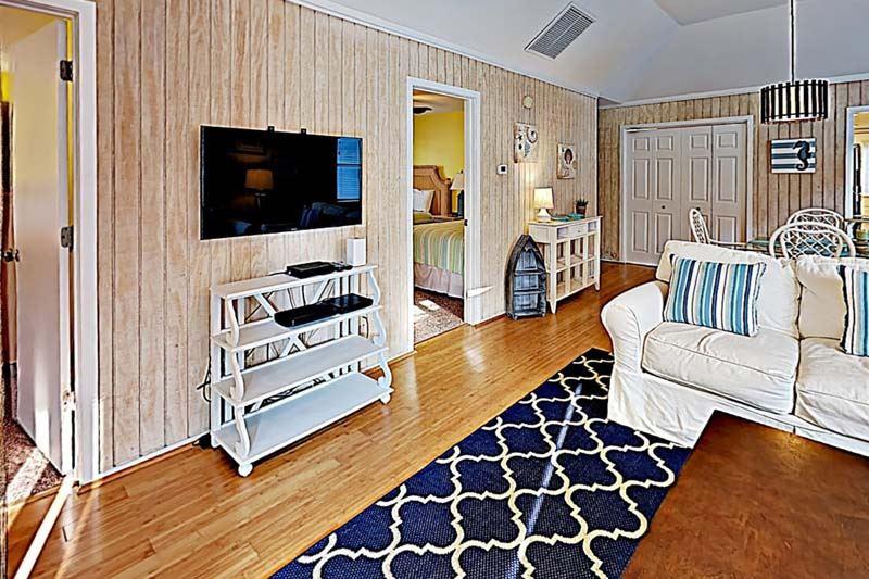 Guest Cottage 42 Ocean Getaway