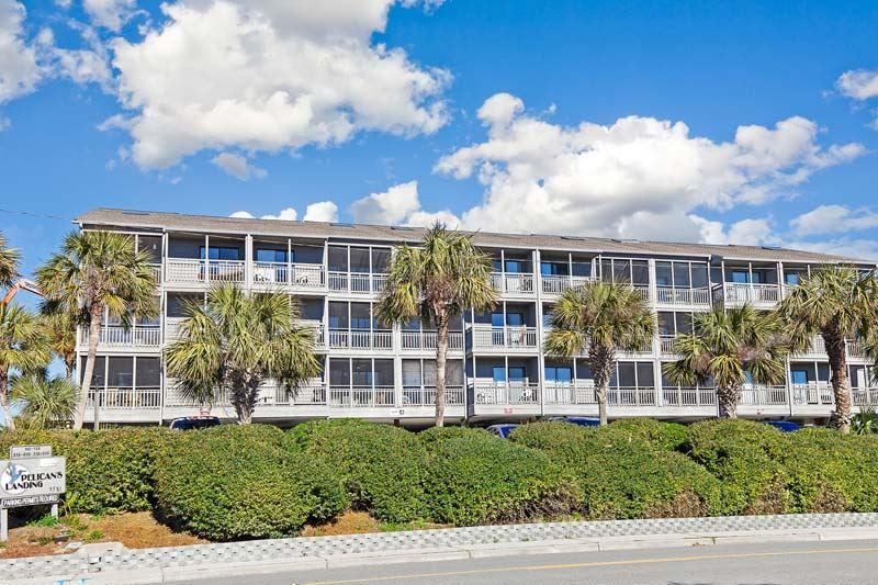Pelicans Landing 127 Hotel & Resort