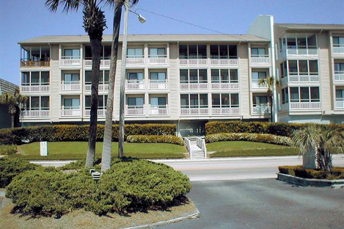 Pelicans Watch 211 Hotel & Resort