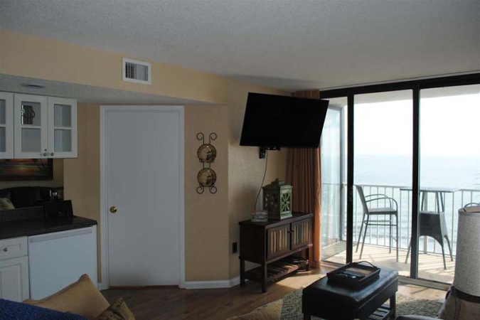 Sands Beach Club 922 Condo Rentals