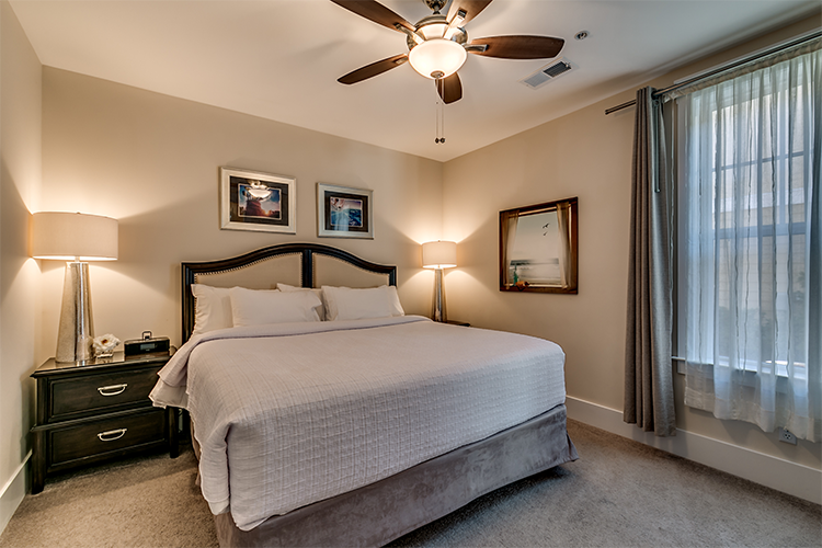 Deluxe Flat- 1 Bedroom 1 Bath Luxury Flat - Unit 4915NM 104
